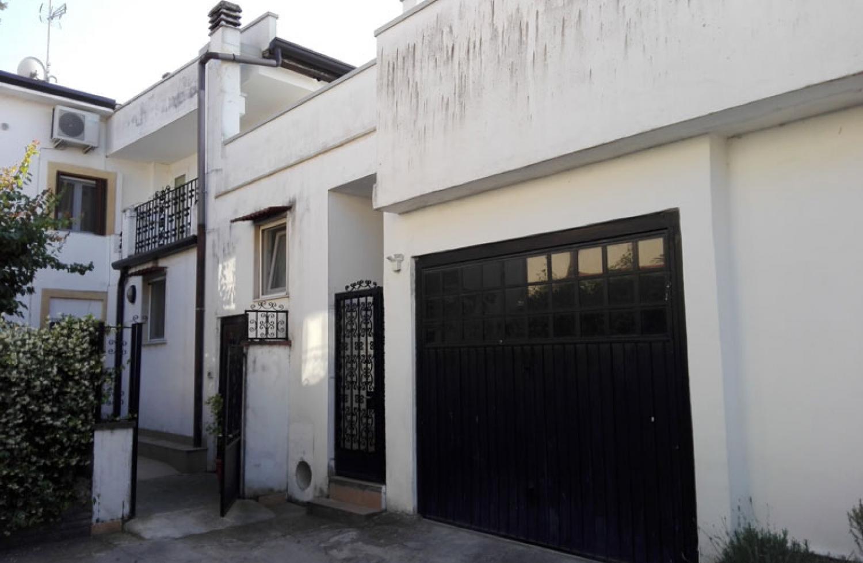 Edificio monofamiliare in contesto di corte - Manutenzione