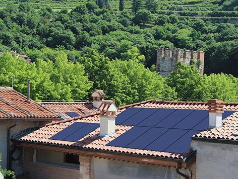 Fotoinserimento di un impianto fotovoltaico integrato - Soave (VR)